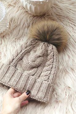 Šilta megzta kepurė su kailiniu bumbulu BEIGE warm hat knitted pom pom