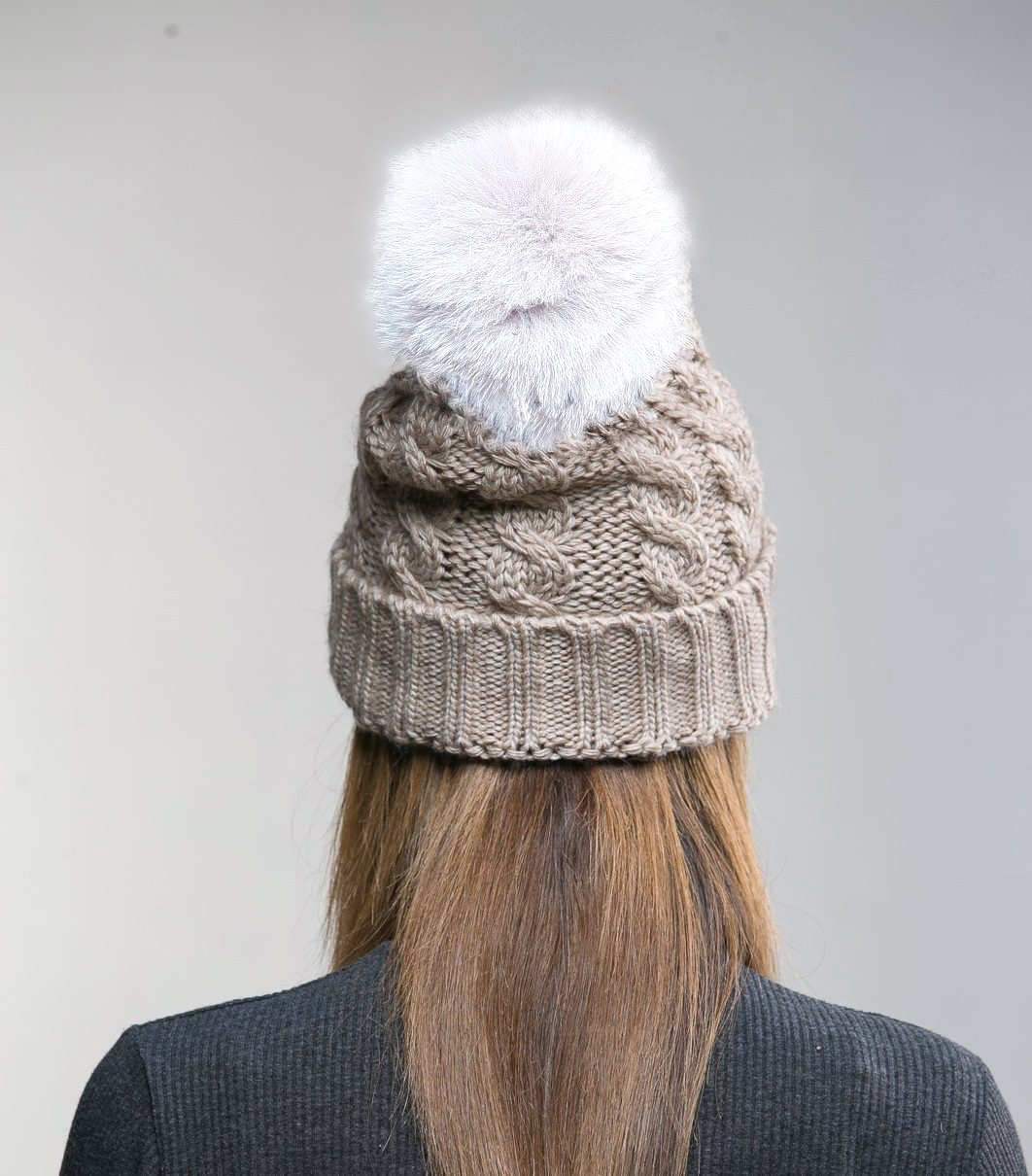 Warm knitted hat with fur pom pom BEIGE - GOODLOOK.shop 2bee00873c3