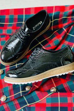 Klasikiniai lakuoti bateliai TORA black shoes classic
