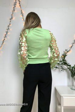 salotines spalvos megztinis drugeliais puostomis rankovemis | madosvardas.lt